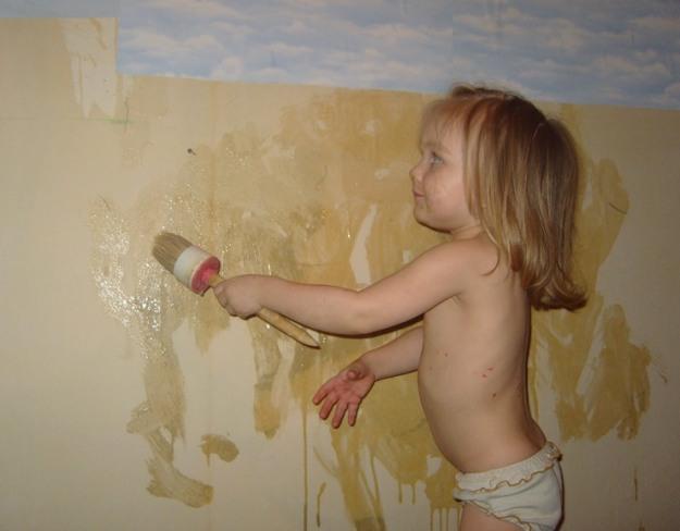 женщина голая делает ремонт дома фото
