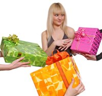 Недорогие оригинальные подарки для женщин